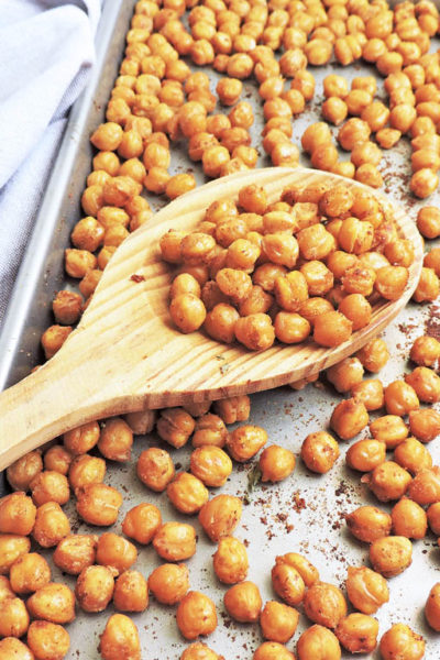 Simple Garlic Roasted Chickpeas