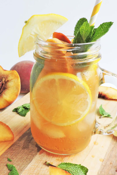 Bourbon Ginger Peach Sweet Tea